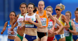 picture of women running a race
